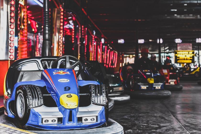 amusement-park-1840626_1920